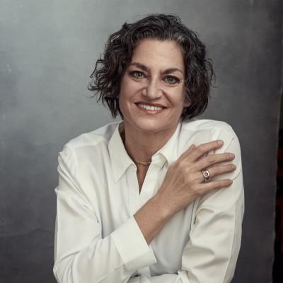 Vickie Nauman